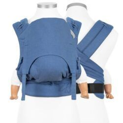 fidella_bæresele_vikle_slynge_baby_carrier_chevron_light_blue_flowclick_halfbuckle