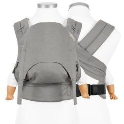 fidella_bæresele_vikle_slynge_baby_carrier_flowclick_halfbuckle_chevron_light_gray